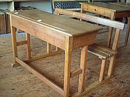 bureau ancien ecolier bureau d écolier ancien en chêne et hêtre avec encriers meubles