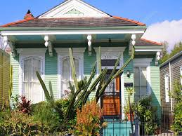 bungalow style new orleans villa u2014 stock photo mlehmann 8070572