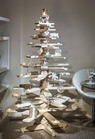 pallet christmas tree 25 ideas of how to make a wood pallet christmas tree