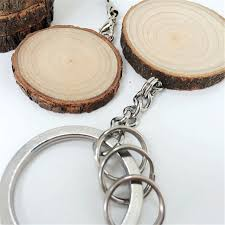 wedding favor keychains 20pcs lot rustic wedding favors chic wooden keychain diameter 3