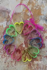 doodlecraft diy paper heart wreath craft