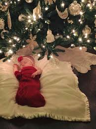 Baby S First Christmas Decorating Ideas by Best 25 Newborn Christmas Ideas On Pinterest Baby Christmas
