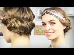 Hochsteckkurzhaarfrisuren Haarband by Haare Haarband Frisur Mit Seitlichem Dutt Tuchhaarband Schick