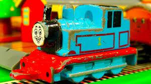thomas the train light up shoes thomas the tank collection 13 mini ertl trains thomas friends gold