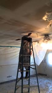 Asbestos Popcorn Ceiling by Removing Asbestos Containing Popcorn Ceiling Texture Youtube