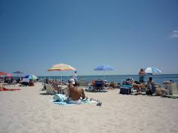 where to vacation affordably in new england near the beach the
