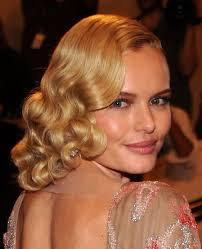 formal curly hairstyles for medium hair curly romantic prom