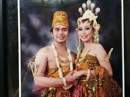 wedding dress indonesia the wedding artist zidisha p2p microfinance