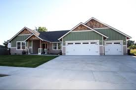 4 exterior elements of a craftsman style custom home