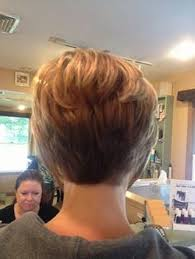 cropped hairstyles with wisps in the nape of the neck for women short stacked hairstyles hairstyles pinterest short stacked