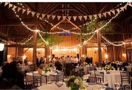 guirlande fanion mariage décoration de mariage que faire avec des guirlandes mariage