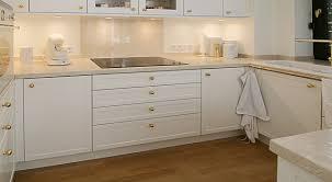 Wohnzimmertisch Landhausstil Gebraucht Die Küche Im Landhausstil Küche Mit Kochinsel Landhaus