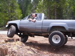 toyota lifted 85 toyota 4 4 with 33 inch tires and rear lift shackles build