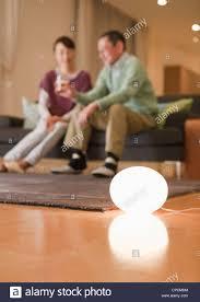 Lampen In Wohnzimmer Lampe In Einem Wohnzimmer Stockfoto Bild 48222656 Alamy