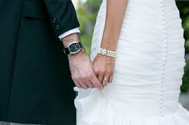 wedding gift ideas for groom top 10 gifts for your on your wedding day wedding bros