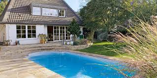 grundausstattung für den garten pool wohnen