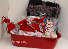 christmas gift baskets family 5 creative diy christmas gift basket ideas for friends family