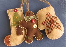 diy felt ornaments i m sooo these crochet
