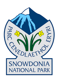 r logo eryri snowdonia