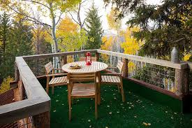 20 stunning outdoor hangouts and decks with a forest view