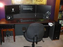 chambre gamer bureau pc gamer grand bureau gamer le des geeks et des gamers