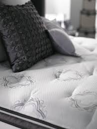 Simmons Natural Comfort Mattresses 60 Best Simmons Beautyrest Black Images On Pinterest Simmons
