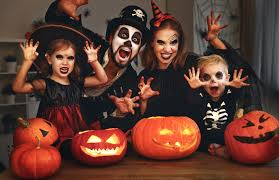8 easy last minute family halloween costumes you pull together