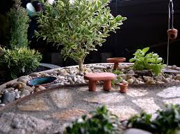 indoor and outdoor container ideas for miniature gardening