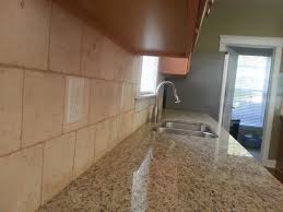 ivory travertine backsplash giallo ornamental 9 27 13 6x6