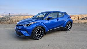 toyota new c hr 2018 toyota c hr wildly styled but mildly mannered roadshow