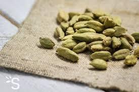 huile essentielle cuisine huile essentielle cardamome santéonaturel com