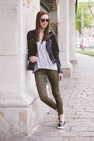 khaki hose kombinieren how to power dress without the pain of