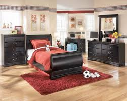 Rugs With Red Accents Bedroom Appealing Black And Red Accents Inside Contemporary Kids