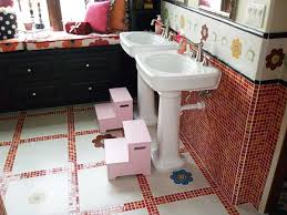 Bathroom For Kids - view image gallery for tile ideas for the bathroom bathroom tile