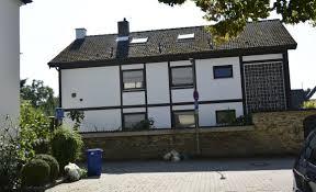 Familienhaus Neuhofen Zwei Bis Drei Familienhaus In Guter Lage Von Neuhofen