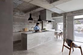 cuisine en beton une cuisine béton décoration épurée on dit oui