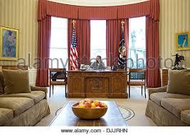 us president barack obama makes thanksgiving day phone calls to