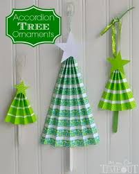 easy accordion tree ornaments craft on timeout