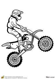 coloriage d u0027un homme faisant un petit saut avec son moto cross