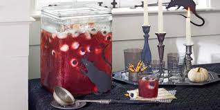 Eyeball Appetizers For Halloween by 21 Easy Halloween Punch Recipes Alcoholic Punch Ideas For Halloween