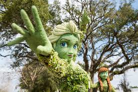 first look at anna u0026 elsa topiaries for the epcot international