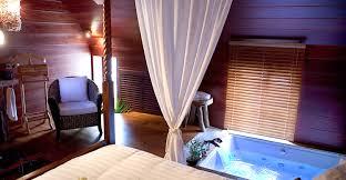 chambre insolite avec 2 hôtels proches de avec dans la chambre