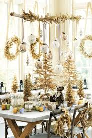 Holiday Table Decorations by 36 Best Gold Holiday Decor Images On Pinterest Christmas Ideas