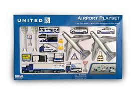 amazon com daron united airlines 24 piece playset toys u0026 games