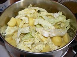 cuisiner un choux vert gratin de chou vert et pommes de terre une cuisine pour voozenoo