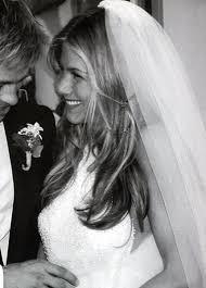 i love jennifer u0027s hair at her wedding minus the vale i am