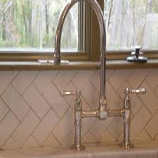 Vertical Herringbone Backsplash Tile Design Ideas - Vertical subway tile backsplash