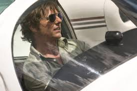 enigma film streaming fr review american made finds tom cruise trying to be ageless once