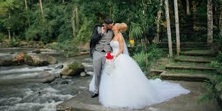 wedding dress bali bali shuka wedding planner and organizer based in bali