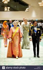 sultan hassanal bolkiah dutch queen beatrix l sultan hassanal bolkiah of brunei r and